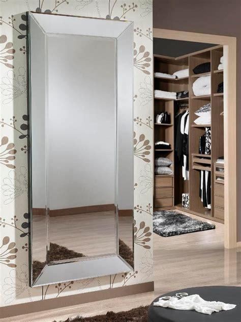 miroir dans chambre miroir pour chambre conceptions de maison blanzza com
