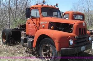 1963 International R190 Series R195 Semi Truck