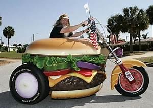 L Homme à La Moto Paroles : cet norme hamburger cache une harley davidson ~ Medecine-chirurgie-esthetiques.com Avis de Voitures