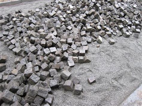 pflastersteine verlegen sand oder splitt splitt kaufen kosten und preise baustoffe liefern de