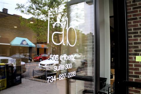 """Restaurants in ann arbor lists all ann arbor restaurants in downtown ann arbor, on main street ann arbor, in the state street area, in kerrytown district, s university and central campus areas. Hip coffee shop is """"What's missing in Ann Arbor"""" - The Communicator"""