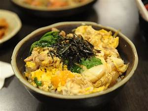 Oyakodon Recipe (Japanese chicken and egg rice bowl ...