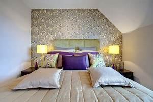 Welche Farbe Fürs Schlafzimmer : welche farbe ergibt mit lila eine stimmige komposition ~ Michelbontemps.com Haus und Dekorationen
