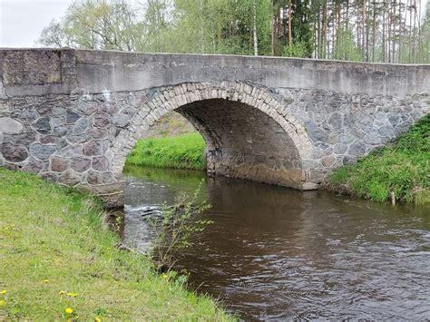 Vizlas dabas taka un vecākais dolomīta arkveida tilts ...