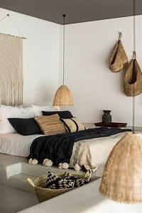 Deco Chambre A Coucher : d co salon chambre a coucher moderne murs blancs deco exotique dans la chambre a coucher ~ Teatrodelosmanantiales.com Idées de Décoration