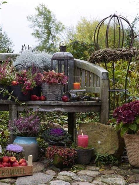 Herbstdeko Fenster Draussen by Heide So Gelingt Der Immergr 252 Ner Herbstgarten