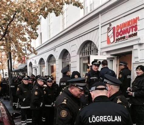 lay siege metropolitan lay siege to local dunkin donuts
