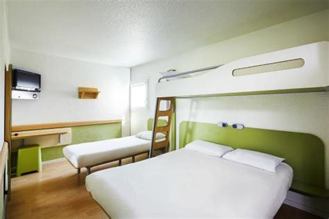 chambre hotel ibis budget chambre famille ibis budget chartres photo de ibis
