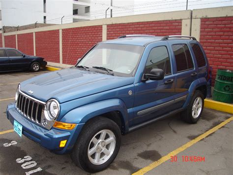 The worst complaints are windows / windshield, ac / heater, and fuel system problems. 2006 Jeep Liberty - Pictures - CarGurus