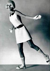 andre courreges moda anos 60 charol buscar con google With robes courrèges