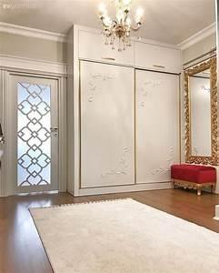 La Maison Möbel : mobilier classique accent or blanc de la maison de saint ~ Watch28wear.com Haus und Dekorationen