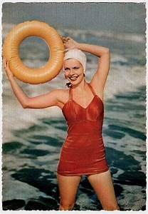 Maillot De Bain Année 50 : le pin up ammiccanti e in costume da bagno da inizio ~ Melissatoandfro.com Idées de Décoration