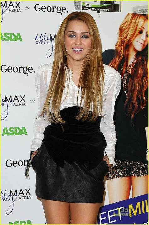 Asda Clothing Best 28 Images Jenner Asda George Miley Cyrus Is Asda Adorable Photo 393343 Photo
