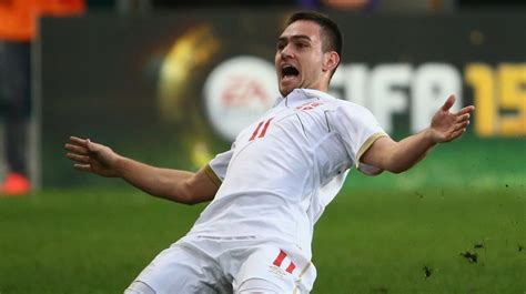 manchester united keeping  eye  benfica winger andrija