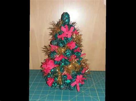 Creare Con Le Pigne by Come Creare Un Alberello Di Natale Con Le Pigne Stefi64