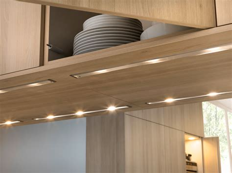 install  cabinet kitchen lighting