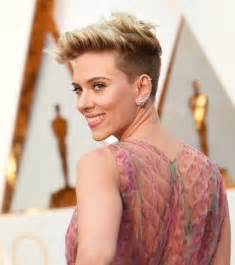 lost earring back 58 johansson hairstyles haircuts you 39 ll 2017