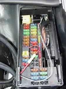 Chrysler Crossfire Fuse Box
