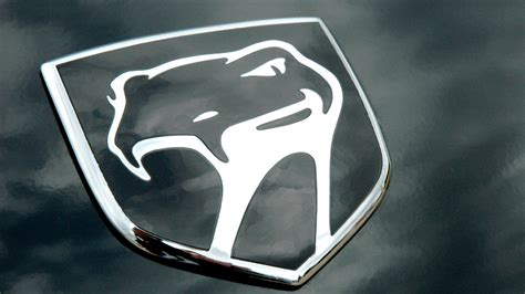 Its history traces back to 1940 when enzo ferrari took over the prancing horse. Dodge Viper Logo Wallpaper (65+ images)