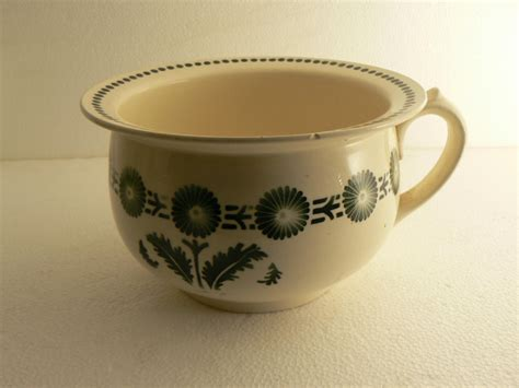 pot de chambre antique ancien pot de chambre faience de l est badonviller