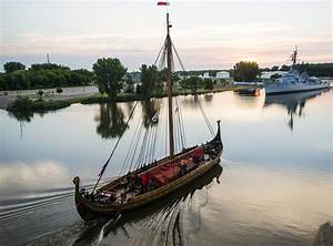 Duluth-bound Viking ship raises the cash to get to Chicago