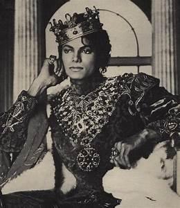 ROYALTY - Micha... Royalty