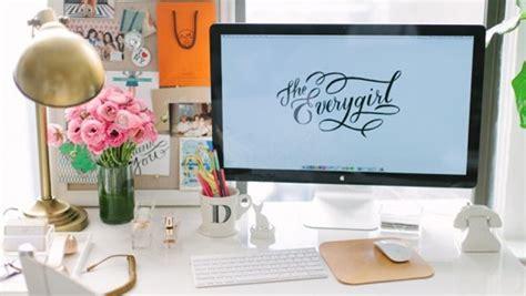 أفكار لتزيين مكتبك في العمل