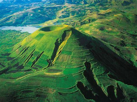 madagascar geography volcanoes plate tectonics
