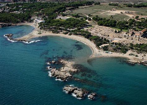 port de l escala espagne les 5 plus belles plages de l escala g 233 rone
