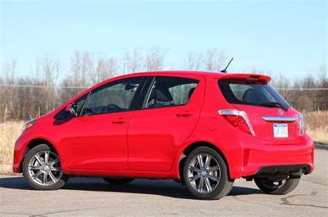 Review Toyota Yaris by 2012 Toyota Yaris Se Review Photo Gallery Autoblog