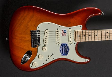 american deluxe stratocaster ash aged cherry burst w
