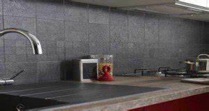 carrelage adhesif mural pour cuisine et salle de bain With carrelage adhesif salle de bain avec eclairage sous meuble cuisine led