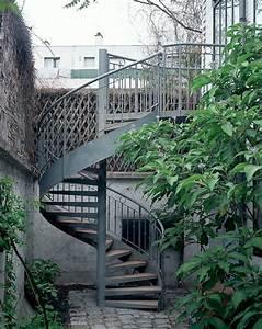 dh11 spir39decor caisson escalier exterieur metallique With maison avec escalier exterieur 2 ferronnerie rampe