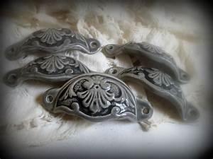 Poignée Coquille Noire : poign e coquille en terre cuite maill e grise et noire ~ Teatrodelosmanantiales.com Idées de Décoration