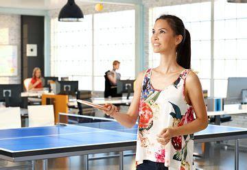 jouer au bureau 12 raisons de laisser vos collaborateurs jouer au bureau