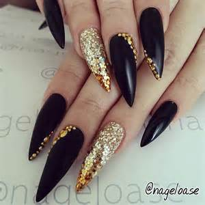 Gallery for gt stiletto nails black and gold
