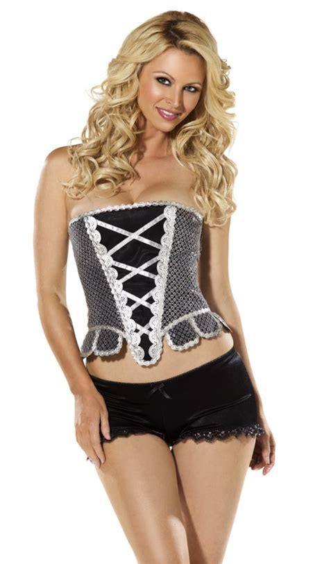 je porte un corset bustier pour avoir un ventre plat