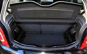 Volkswagen Up Coffre : premier essai vw up l 39 automobile magazine ~ Farleysfitness.com Idées de Décoration