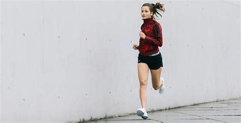 Vier motivierende Sport-Outfits fu00fcr Frauen | Defshop Magazin