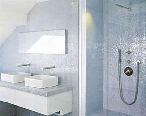 mosaique grise une salle de bain contemporaine tres elegante With mosaique grise salle de bain