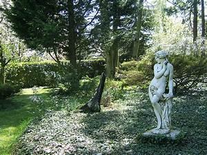 Statue Jardin Design : statue de jardin moderne statue moderne de jardin khenghua sculpture design syma mobilier ~ Dallasstarsshop.com Idées de Décoration
