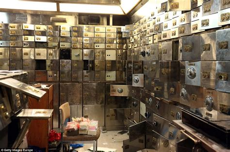 hatton garden raid sentenced to a total of 34 years