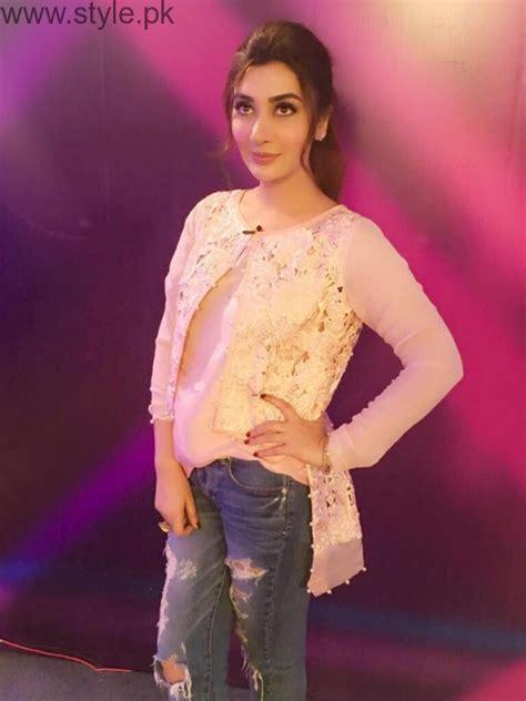 outfits  ayesha khan