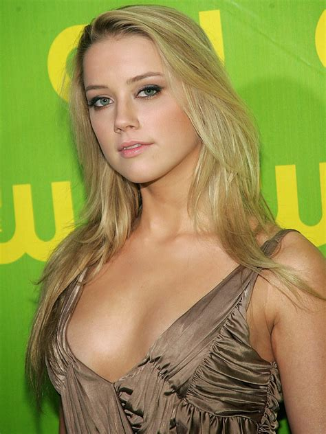 latest celebrity  amber heard sexy wallpapers