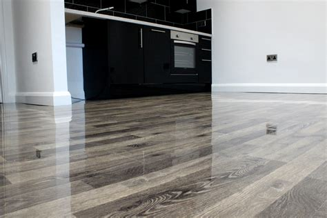 High Gloss Laminate Flooring Black