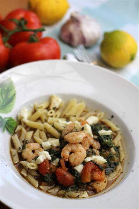 Oosterse Len Enschede pasta met garnalen tomaten en balsamicoazijn saus