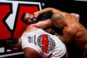 Is Amir Aliakbari the strongest man in the world? - AKA ...