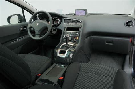 Peugeot 5008 Interni by Prova Peugeot 5008 Scheda Tecnica Opinioni E Dimensioni 1