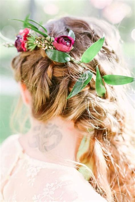 fall wedding hairstyles dipped  lace