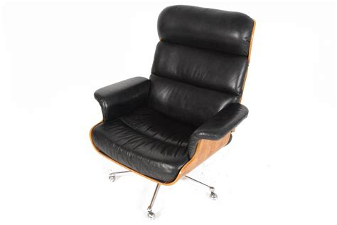 martin stoll rosewood and leather swivel chair with